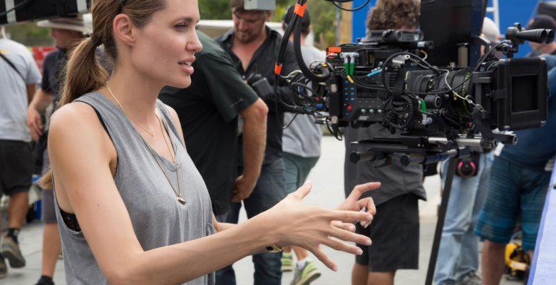 Angelina Jolie, savaş fotoğrafçısı Don
