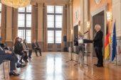 Güher-Süher Pekinel kardeşlere Almanya Liyakat Nişanı