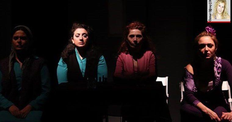Kadıköy Halk Tiyatrosu, 'Mor' adlı oyun ile kadına şiddeti sahneye taşıyor.