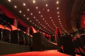 Sinema salonlarının açılma tarihi ertelendi