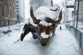 Wall Street'in ikonik heykelinin yaratıcısı Arturo Di Modica hayatını kaybetti
