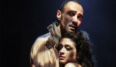 Tiyatro sanatçısı Poyraz Deniz Genç, 'Moira'nın Gece Döngüsü' oyunuyla iki ödül aldı