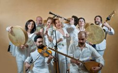İlkay Akkaya konserinde Niyazi Koyuncu sürprizi
