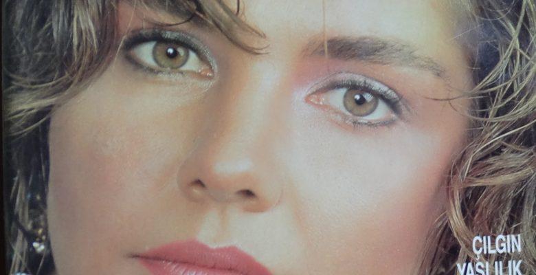 ELELE KADININ SESİ EYLÜL 1988