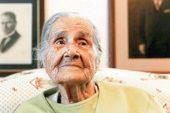 106 yaşında sergi açtı Sabiha Özar