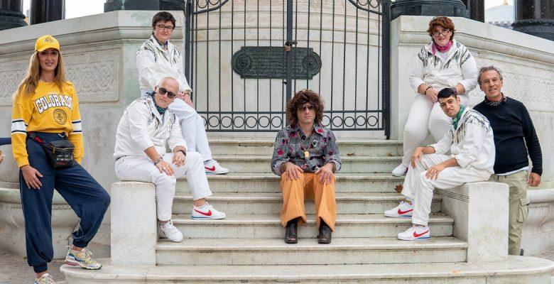Fark Band bir efsane şarkıya daha imzasını attı: Stayin' Alive