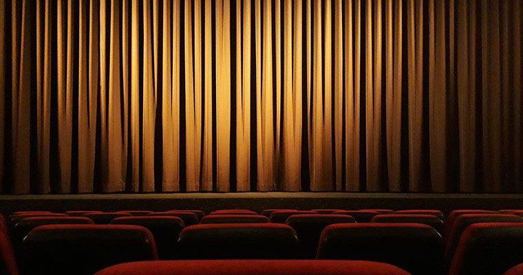 Tiyatroların bir kısmı kapandı, açık kalanlar