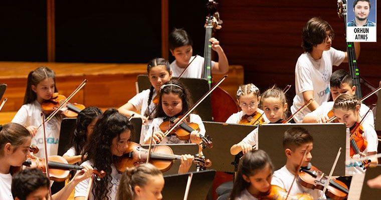 Yorglass Barış Çocuk Senfoni Orkestrası,