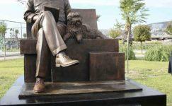 Bekir Coşkun'un heykeli açıldı