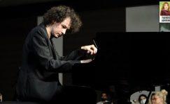 Can Çakmur, Piyanonun Prensi!