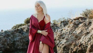 Ajda Pekkan'ın yeni albüm pozları olay yarattı