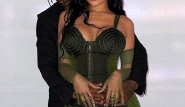 Kylie Jenner'dan hamilelik pozu
